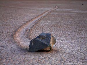 動く石 デスバレー